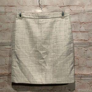LOFT petites skirt 0P cream silver lined pencil